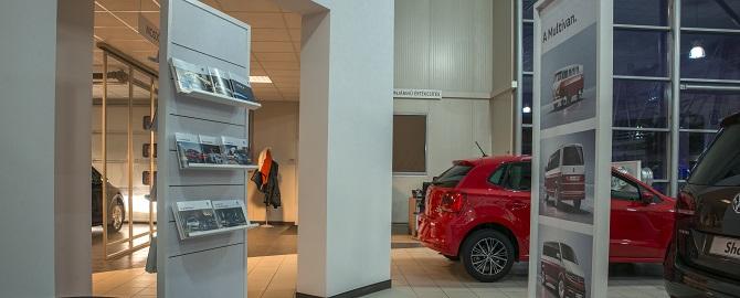 Skoda%20%E9s%20Volkswagen%20haszong%E9pj%E1rm%u0171%20aut%F3szalon.Weltauto